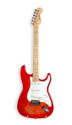 Guitarra eléctrica K Rider firmada por la banda Van Hal...
