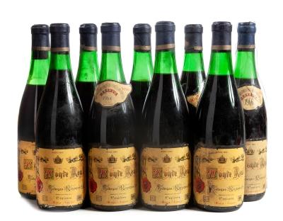 Nueve botellas de Bodegas Riojanas Monte Real, Reserva de 1964.