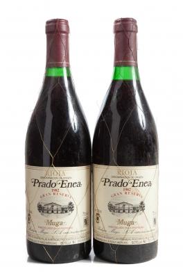 Dos botellas de Muga Prado Enea Gran Reserva 1982.