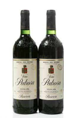 Dos botellas Viña Pedrosa, Reserva de 1996. Categoría: vino tinto.