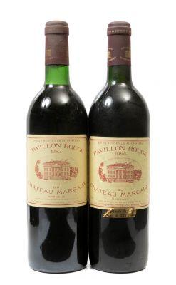Dos botellas de Château Margaux, Pavillon Rouge, 1986. Categoría: vino tinto.