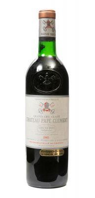 Una botella de Château Pape Clément, Grand Vin 1985. Categoría: vino tinto.