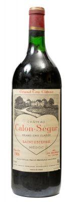 Una botella de Saint Estèphe de Calon Segur, Grand Cru Classé 1986. Vino tinto.
