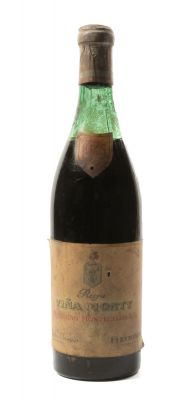 Botella de Viña Monty Bodegas Montecillo 1945. Categoría: vino tinto.
