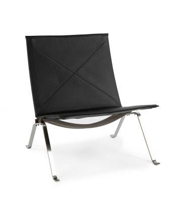 POUL KJÆRHOLM (Denmark, 1929 - 1980) for FRITZ HANSEN.PK 22 chair in black color.