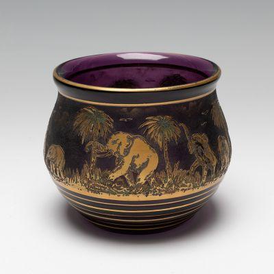 RUDOLF WELS (Osek, 1882 - Auschwitz, 1944) for MOSER & SOHNE.Art-Deco Vase.