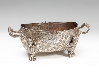 Colonial centerpiece, possibly Mexican, 18th century.In silver.