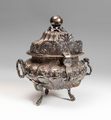 Colonial tureen. Probably Mexican, 17th-18th century.