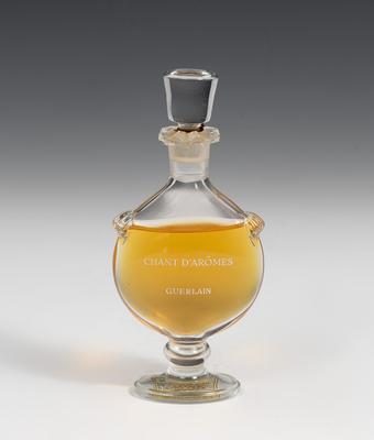 """Perfume """"Chant D'Aròmes"""" by Guerlain."""