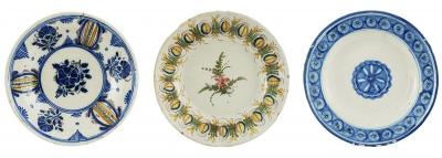 Conjunto de tres platos. Cataluña, siglo XIX.