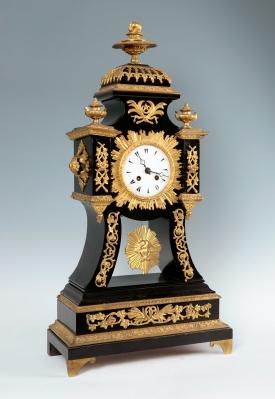 Reloj de sobremesa del siglo XIX.
