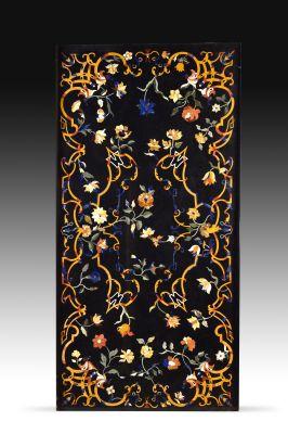 Tablero de mesa inspirado en modelos italianos de los siglos XVI- XVII.Piedras duras (malaquita, venturina, jaspe…).