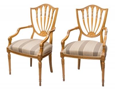 Pareja de sillas de estilo Adams. Principios del siglo XX.