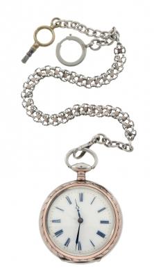 Reloj de bolsillo. En plata.