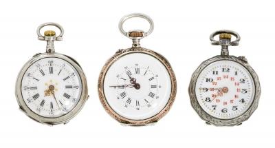 Tres relojes de bolsillo de señora.