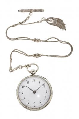 """Reloj """"Catalina"""" con leontina. Siglo XX."""