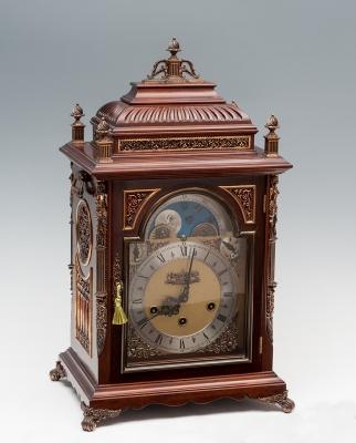 Reloj de sobremesa; Francia, siglo XIX, hacia 1830.