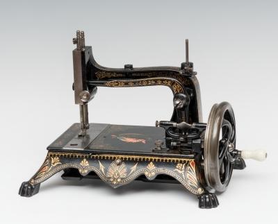 Máquina de coser; América, primer cuarto del siglo XX.