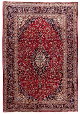 Alfombra persa, 1960. Medidas: 368 x 251 cmAnudado