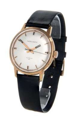 Reloj AERO-MATIC Incabloc, modelo años 60.