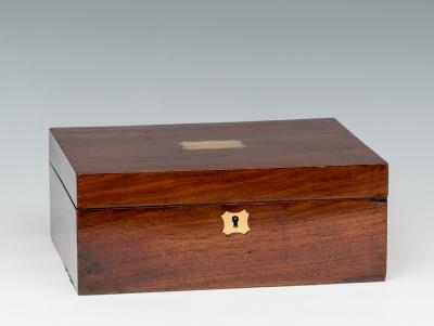 Caja; Inglaterra, época de regencia, hacía 1820.