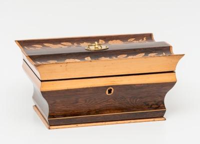 Caja estilo Carlos X; Francia, primer tercio del siglo...