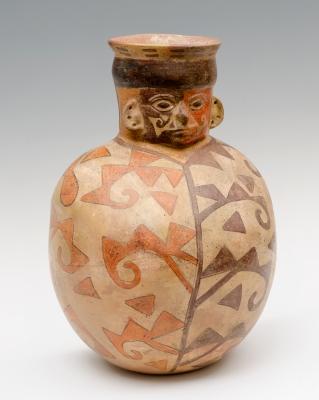Huaco antropomorfo; cultura Huari, Perú, 700-1100 d.