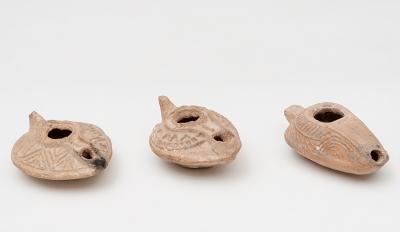 Conjunto de tres lucernas. Bizancio, siglos VI-VII d.