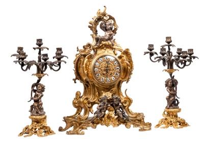 Guarnición estilo Luis XV, Francia, siglo XIX.