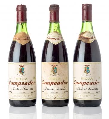Tres botellas de Rioja Campeador, Martínez La Cuesta.