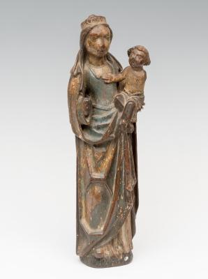 """""""Virgen con niño"""" Siguiendo modelos del gótico francés,"""