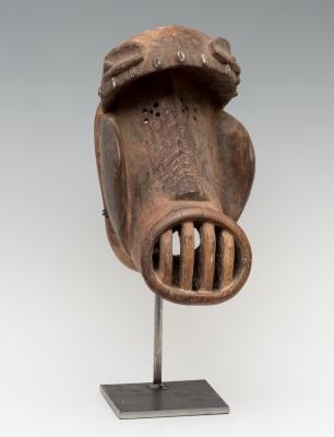 Máscara; Nigeria, siglo XX. Madera