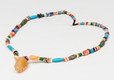 Collar de cuentas; Cultura Huari del norte, siglos VII-XIII d.