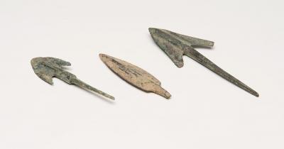 Tres puntas de lanza;  Luristán, siglos IX-VIII a. C