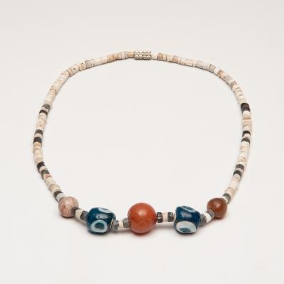 Collar, cuenca del mediterráneo oriental, siglos IV – II a.