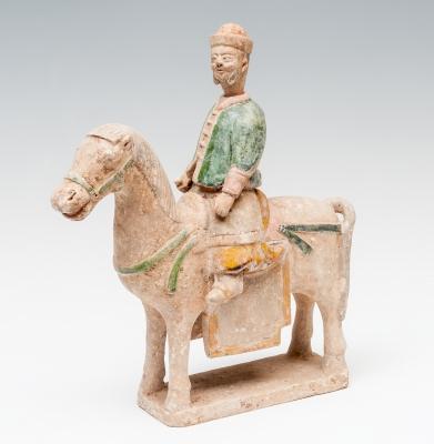 Caballo ceremonial con jinete; China, Dinastía Ming, 1368-1644.