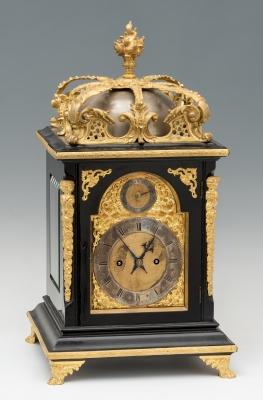 Reloj inglés del siglo XVIII. Madera y bronce