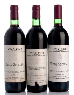 Tres botellas Vega Sicilia Valbuena 5º 1978 .