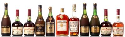 Selección de once botellas de Coñac francés.