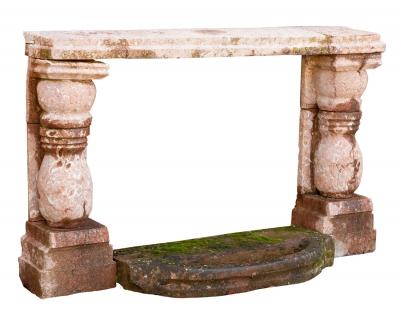 Frontal de chimenea; siglo XVI-XVII. Mármol de Ereño, pi