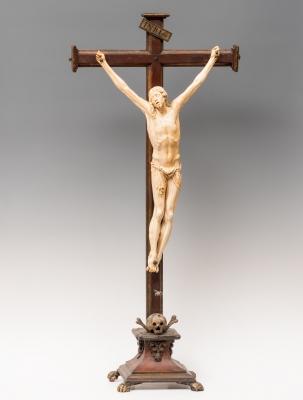 """""""Cristo crucificado"""" Escuela española, finales del siglo XVI."""