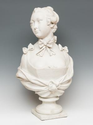 """Busto femenino"". Escuela francesa, siglo XIX."