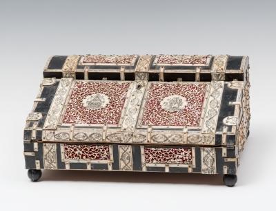 Caja colonial Anglo-india; siglo XIX. Ébano y marfil