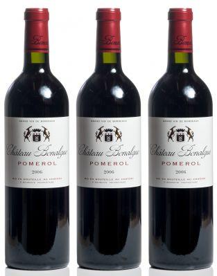 Lote de tres botellas de Chateau Bonalgue Pomerol, 2006.