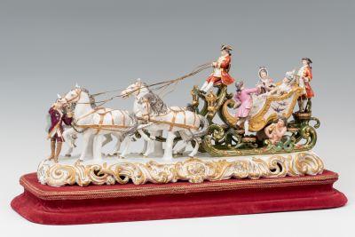 Porcelain sculpture set; XIX century.Glazed porcelain.