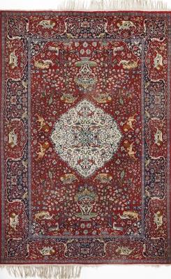 Alfombra persa, siglo XX.Anudada a mano en seda.