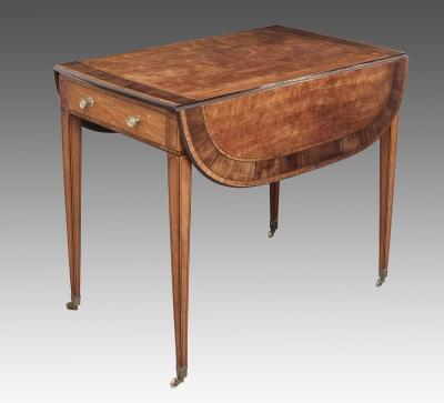 """Mesa """"Pembroke"""" de estilo Jorge III. Inglaterra, c."""