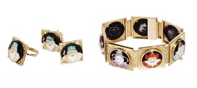 Conjunto de pulsera, pendiente y anillo en oro de 18 kt