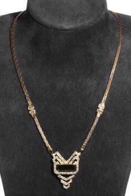 Gargantilla única en oro amarillo de 18 kts, diseño de