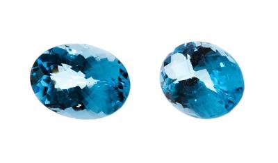 Pareja de topacios naturales, color azul Swiss, talla o